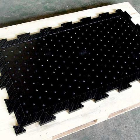 Equine rubber stable mat