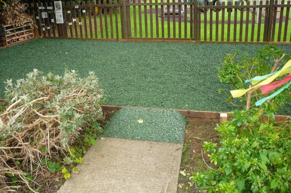 Rubber Bark Chips ~ Rubber bark chips for play areas safety surfacing